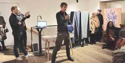Jörg Necker erklärt beschreibt die Umrechnung vom Hexalsystem, in dem ein Würfel